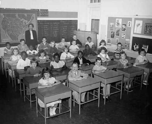 1950s_classroom1.jpg